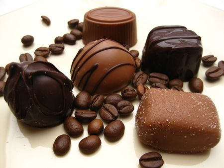 cafe bombon: B�lgica pralines chocolate con caf� Foto de archivo