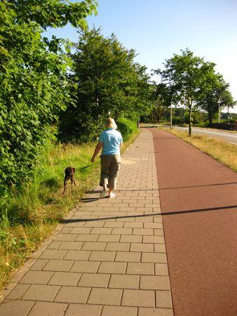 rifrug: Girl walking dog