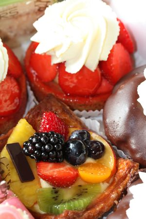 Delicious pastry cake with fresh fruit