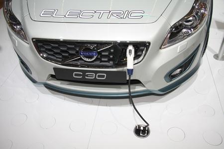 April, 22. 2011-Amsterdam, Niederlande. Amsterdam Rai Carshow Volvo C30 Hybrid. Das kleinste Modell in ihrem Sortiment kommt in einer Hybridversion Standard-Bild - 9397126