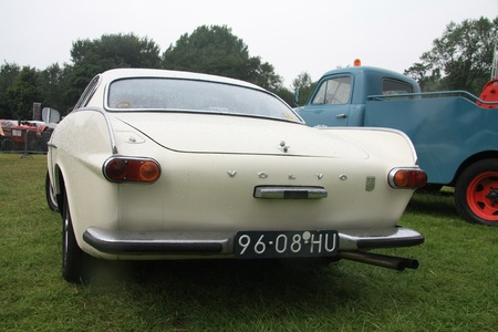 noord: August 6th, 2011 Oldtimershow Santpoort Noord, the Netherlands Vintage white 1969 Volvo 1800 Editorial