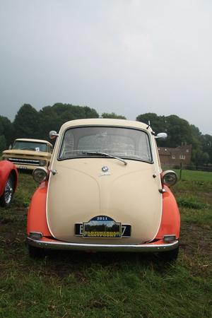 noord: August 6th, 2011 Oldtimershow Santpoort Noord, the Netherlands 1960 BMW Isetta 300 Editorial