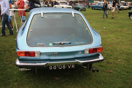 noord: August 6th, 2011 Oldtimershow Santpoort Noord, the Netherlands Vintage 1972 Volvo 1800