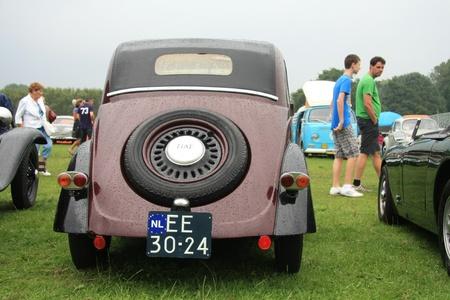noord: August 6th, 2011 Oldtimershow Santpoort Noord, the Netherlands 1953 Fiat 500 Topolino