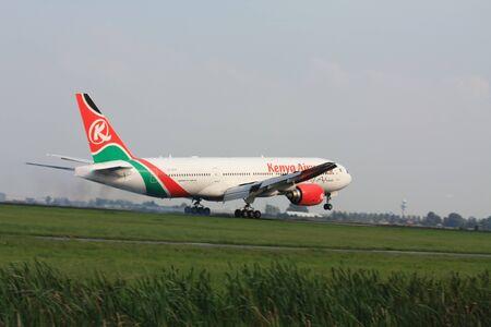 september, 3rd 2011, Amsterdam Schiphol Airport 5Y-KQT - Boeing 777-2U8ER - Kenya Airways landing on Polderbaan