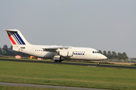 september, 3rd 2011, Amsterdam Schiphol Airport Air France British Aerospace BAe 146 RJ85, EI-RJO, landing on Polderbaan
