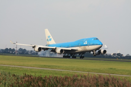 747 400: Settembre, 3 � 2011, aeroporto Schiphol di Amsterdam PH-BFR - KLM Boeing 747-400 atterraggio su Polderbaan