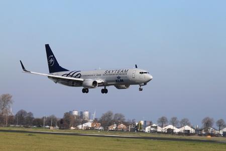 livery: October, 22nd 2011, Amsterdam Schiphol Airport PH-BXO - Boeing 737-9K2 - KLM (SkyTeam livery)  landing on Polderbaan