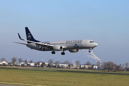 October, 22nd 2011, Amsterdam Schiphol Airport PH-BXO - Boeing 737-9K2 - KLM (SkyTeam livery)  landing on Polderbaan Stock Photo - 11719952