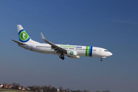 October, 22nd 2011, Amsterdam Schiphol Airport PH-HZO - Boeing 737-8K2 - Transavia landing on Polderbaan