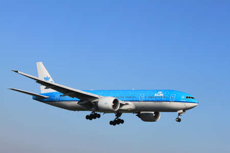 October, 22nd 2011, Amsterdam Schiphol Airport - PH-BQP KLM Royal Dutch Airlines Boeing 777-206 Delft Blue livery landing on Polderbaan