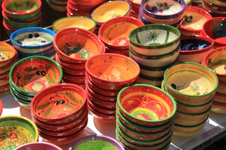 bedoin: Traditional pottery on a local market in the Provence, France Stock Photo