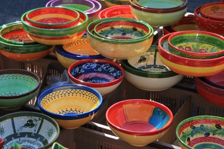 bedoin: Handmade colorful pottery on a market in the Provence
