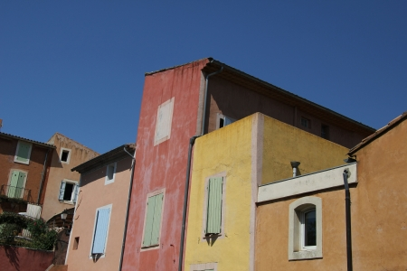 roussillon: Colored houses in the village of Roussillon, France Stock Photo