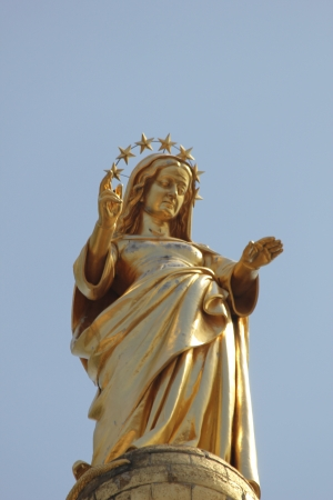 The Golden Virgin, Statue near the palace of the popes in Avignon, France Stock Photo - 15270068
