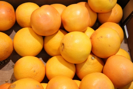 Big oranges displayed in a shop Stock Photo - 15357670