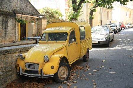Vintage yellow French van, commercial vehicle Stock Photo - 15366112