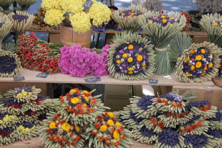 dry provisions: Dried lavender and wheat bouquets, for sale at a local market in the Provence, France Editorial