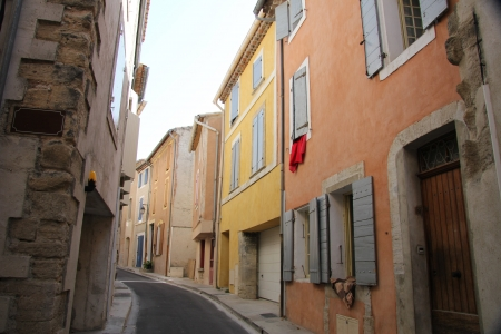 bedoin: Colored houses with plastered facades in Bedoin, France Editorial