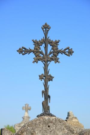 Gusseisen Kreuz Ornament an einem Französisch Friedhof Standard-Bild - 21941003
