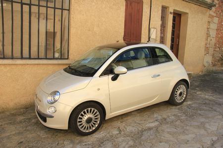 remake: Retro remake model of and Italian classic car