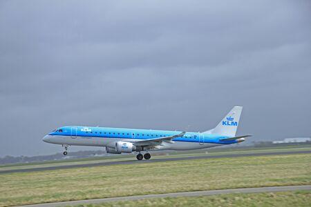 polderbaan: March, 27th 2015, Amsterdam Schiphol Airport  PH-EZS KLM Cityhopper Embraer ERJ-190 Polderbaan Runway