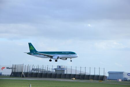 schiphol: Schiphol Amsterdam, The Netherlands, march 31, 2015: EI-DEE Aer Lingus Airbus A320-200     approaching on runway 0927 Buitenveldert Editorial