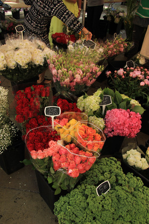 en: Various bouquets at the flower market in Aix en Provence