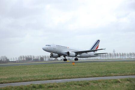 schiphol: March, 27th 2015, Amsterdam Schiphol Airport F-GRHQ Air France Airbus A319-100  Polderbaan Runway