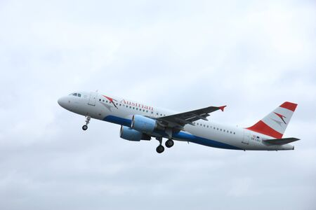 polderbaan: March, 27th 2015, Amsterdam Schiphol Airport OE-LBU Austrian Airlines Airbus A320-214   Polderbaan Runway