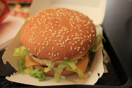 nutricion: Fresh made hamburger in a fastfood restaurant