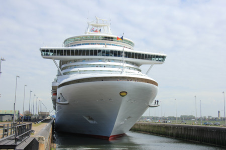 cruiseship: Velsen, The Netherlands - May 22, 2015: Ventura is a Grand-class cruise ship, owned and operated by P&O Cruises, built by Fincantieri, Monfalcone, Italy. It is 291.4 m (956 ft) long Editorial