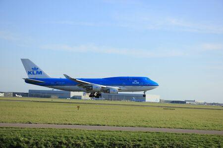 klm: Amsterdam, The Netherlands, april 11, 2015: PH-BFF KLM Royal Dutch Airlines Boeing 747-400M  approaching runway 09-27 Buitenveldert