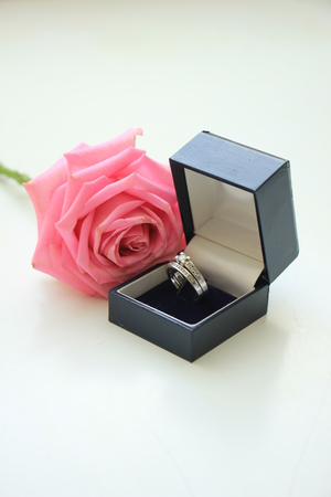 rose ring: Engagement ring in box and pink rose