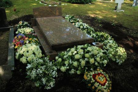 お墓に関するさまざまな同情や葬儀花 写真素材