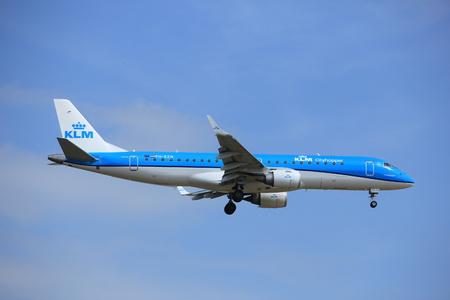 polderbaan: Amsterdam, the Netherlands - July 21st 2016: PH-EZN KLM Cityhopper Embraer ERJ-190STD, approaching Polderbaan runway at Schiphol Amsterdam Airport, arriving from Bilbao, Spain Stock Photo