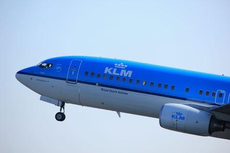 Amsterdam Nederland - 2 april 2017: PH-BXM KLM Royal Dutch Airlines Boeing 737-800 start vanaf de Polderbaanbaan, Amsterdam Airport Schiphol