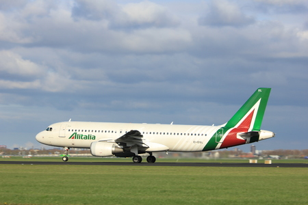 dsl: Amsterdam the Netherlands - April 7th, 2017: EI-DSL Alitalia Airbus A320 takeoff from Polderbaan runway, Amsterdam Airport Schiphol