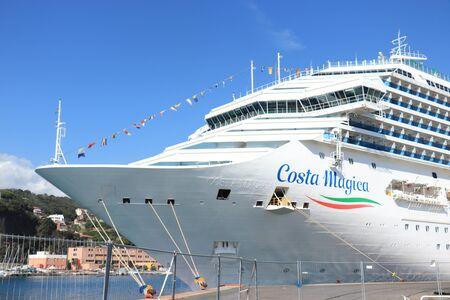 Savona, Italien - 26. September 2019: Costa Magica, vertäut am Terminal Costa Crociere in Savona Editorial