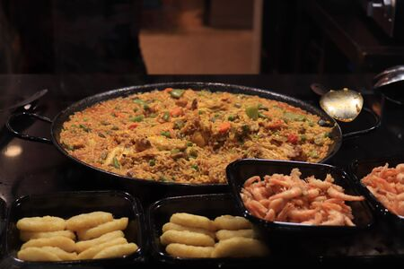 Fresh made paella, spanish cuisine with seafood and meat Stockfoto