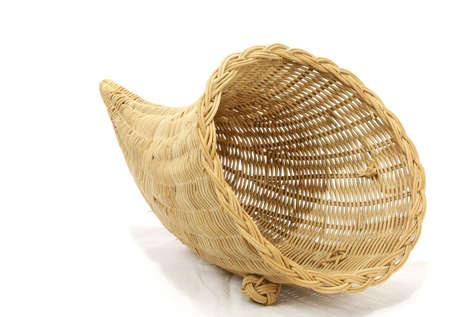 cuerno de la abundancia: Vaciar cesta cornucopia Foto de archivo