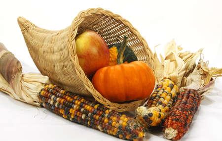 cuerno de la abundancia: cornucopia cesta