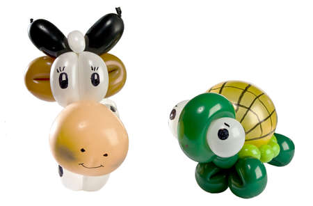 Ballon Dier schildpad en koe op wit wordt geïsoleerd