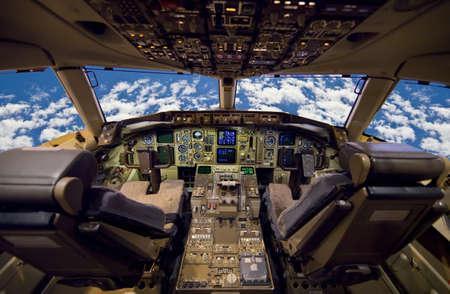 Cockpit de l'avion à réaction