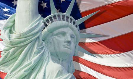 perseverar: Estatua de la libertad con gota del rasg�n aislados