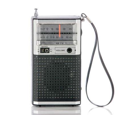 transistor: Radio de transistores época de la vendimia aislado en un fondo blanco. Foto de archivo