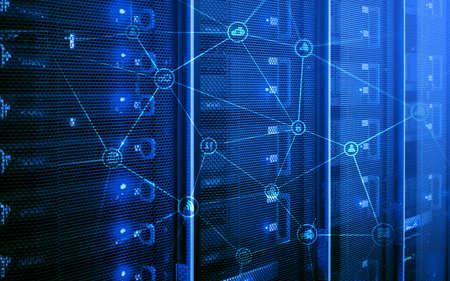 Concepto de telecomunicaciones con estructura de red abstracta y fondo de sala de servidores.
