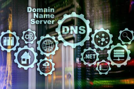 DNS. Domain Name System. Comunicazione web di rete. Internet e il concetto di tecnologia digitale.