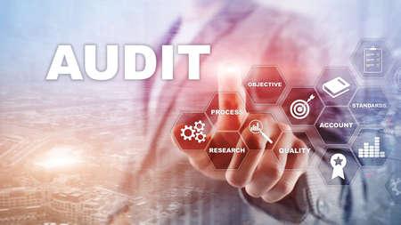 Audit aziendale e concetto di finanza. analisi dei bilanci annuali, analisi del ritorno sull'investimento. Fondo astratto di media misti.