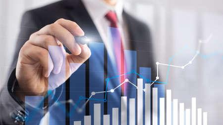 Wykres wzrostu finansowego. Wzrost sprzedaży, koncepcja strategii marketingowej